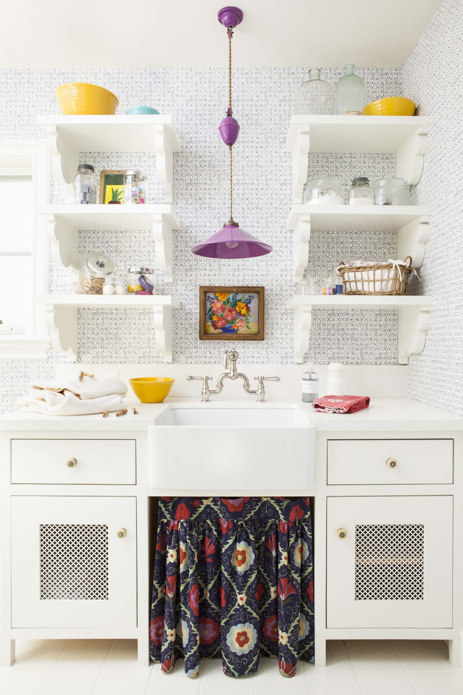 How To Decorate With Open Shelving In Your Kitchen Flea Market Finds Home And Garden Decorating Ideas By Expert Interior Decorators