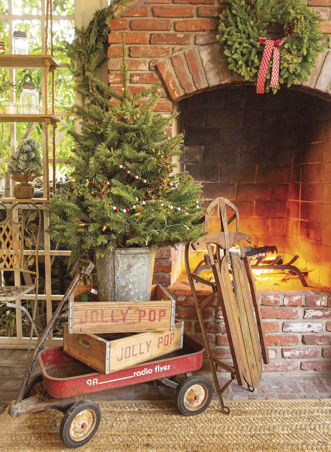 Celebrating A Very Merry Vintage Farmhouse Christmas Flea Market Finds Home And Garden Decorating Ideas By Expert Interior Decorators