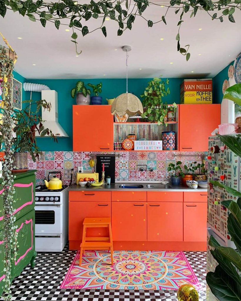 8 Colorful Kitchen Cabinets - Flea Market Finds: Home and ...