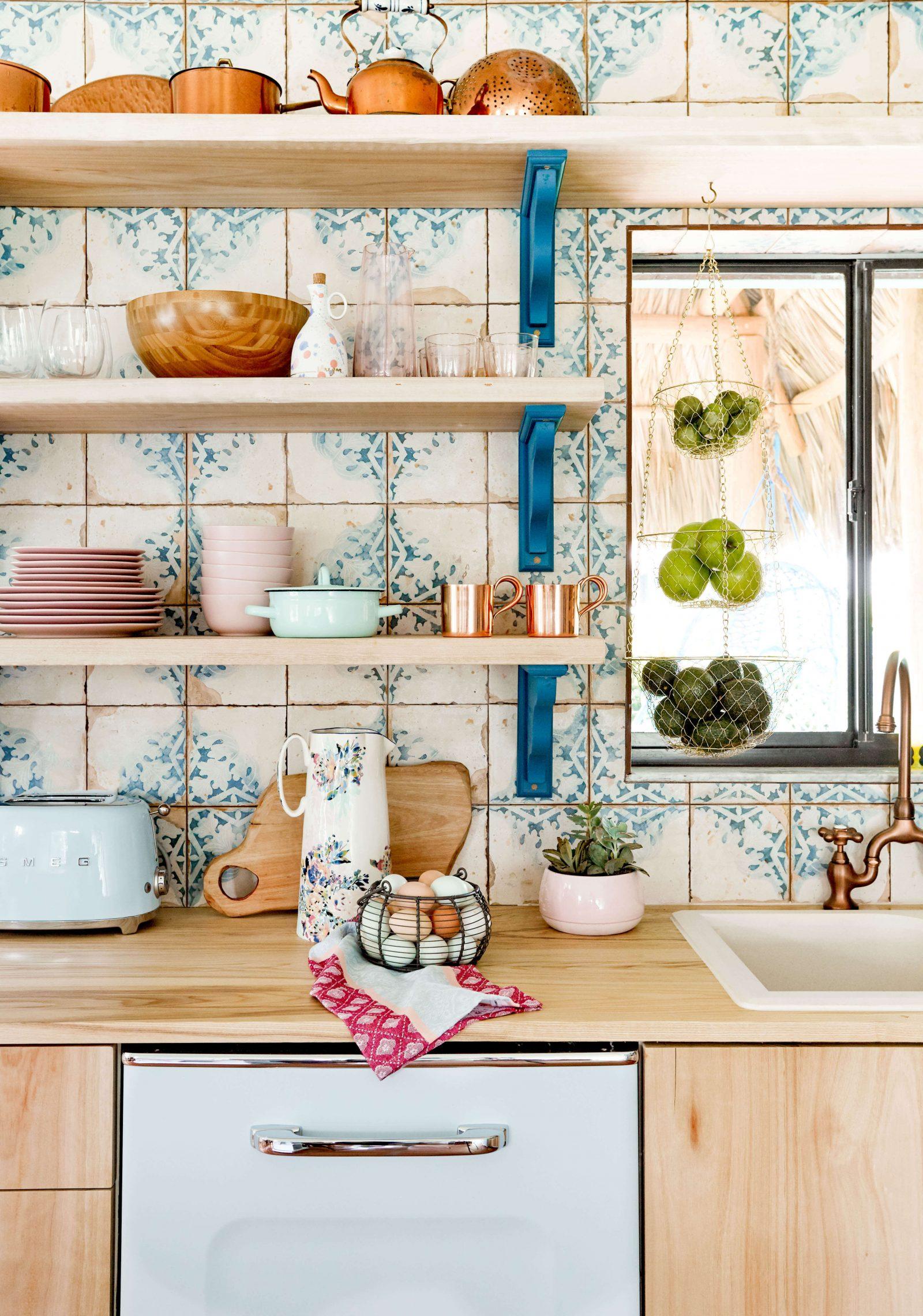 - The Best In Backsplash Tiles - Flea Market Finds: Home And Garden