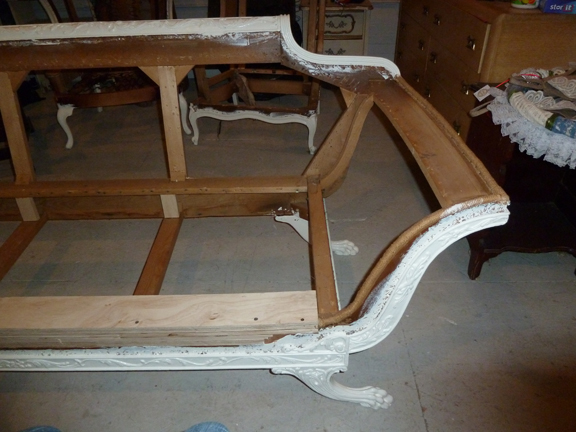 Before: When Jeanne bought this empire-style sofa on Craigslist, it had a broken leg, so she had to take it to a craftsman to get it repaired